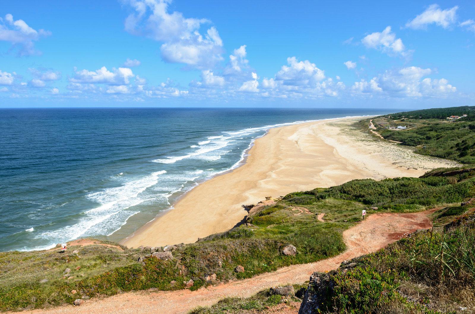 Praia Do Norte Nazare Central Portugal Beaches Travel Guide