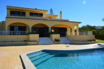 Villa Paraiso - 4 Bedrooms and pool
