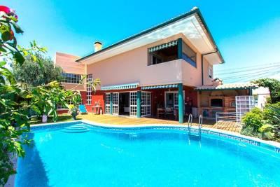 Casa do Chafariz w/ Swimming Pool near Carcavelos by Homing