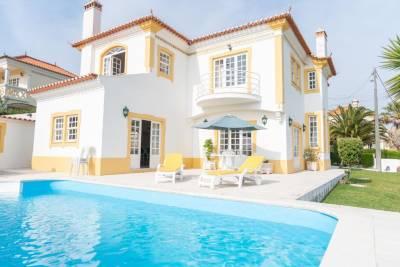Wunderschöne Villa mit exzellenter Architektur