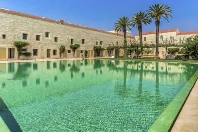 Feels Like Home Tavira Mezzanine with Pool