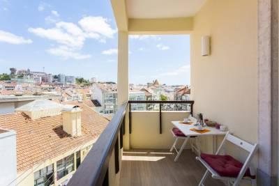 Modern Views Apartment |RentExperience
