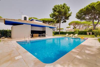 Villa HD - 4Bedrooms - Private pool - 15 minutes walking to Vilamoura Marina