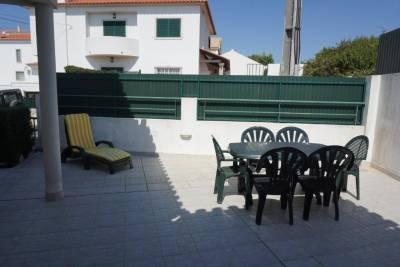 Sunny Villa in Ericeira