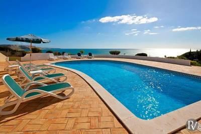 Praia Da Luz Villa Sleeps 10 WiFi