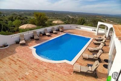 Lagos Villa Sleeps 10 Pool Air Con WiFi