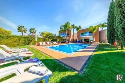Vilamoura Villa Sleeps 10 Pool Air Con WiFi