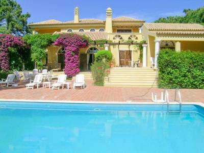 Quinta do Lago Villa Sleeps 8 Pool Air Con WiFi