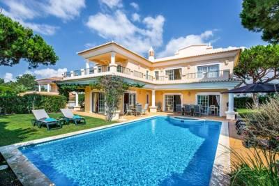 Vale do Lobo Villa Sleeps 8 Pool Air Con WiFi