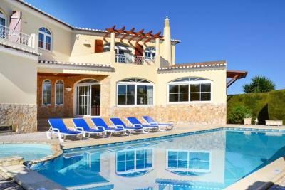 Pedra Alcada Villa Sleeps 12 Pool Air Con WiFi