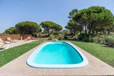 Casais da Azoia Villa Sleeps 12 Pool WiFi