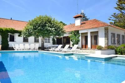 Praia das Macas Villa Sleeps 17 Pool WiFi