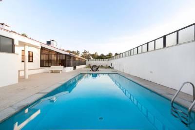 Moldes Villa Sleeps 8 Pool WiFi