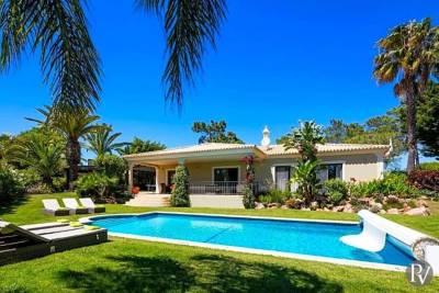 Vilamoura Villa Sleeps 6 Pool Air Con WiFi