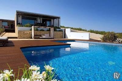 Armacao de Pera Villa Sleeps 4 Pool Air Con WiFi