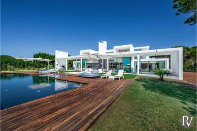 Vilamoura Villa Sleeps 12 Pool Air Con WiFi