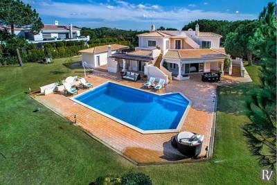 Quinta do Lago Villa Sleeps 8 Pool Air Con WiFi