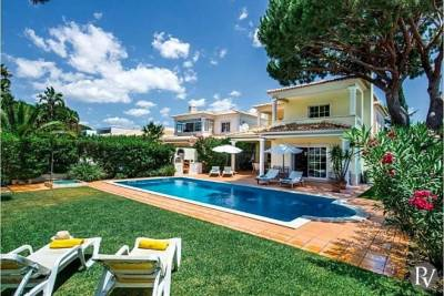 Vilamoura Villa Sleeps 8 Pool Air Con WiFi