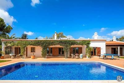 Colinas Verdes Villa Sleeps 8 Pool Air Con WiFi