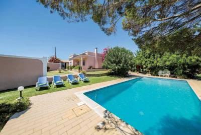 Medronhal Villa Sleeps 6 WiFi