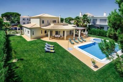 Vilamoura Villa Sleeps 8 Pool Air Con WiFi T480055
