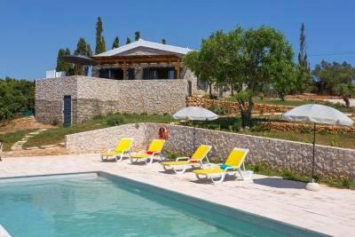 Vilamoura Villa Sleeps 6 Pool Air Con WiFi T607855