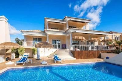 Vale do Garrao Villa Sleeps 8 Pool Air Con WiFi