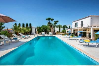 Almancil Villa Sleeps 10 Pool WiFi T693752