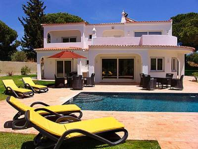 Vilamoura Villa Sleeps 8 Pool Air Con WiFi T480368