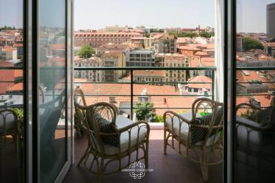Elegance Mouraria View 68 by Lisbonne Collection