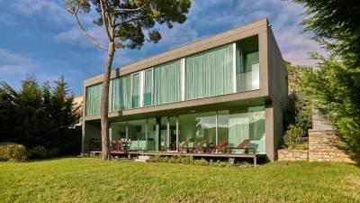 Design Villa with Stunning Landscape