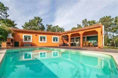 Beach villa with 3 bedrooms and private pool