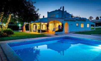 Vilamoura Villa Sleeps 8 Pool WiFi