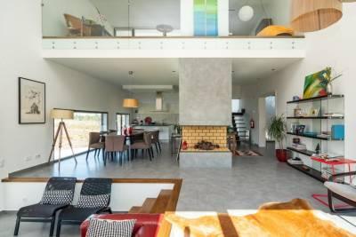 Pool Villa Retreat in Sesimbra