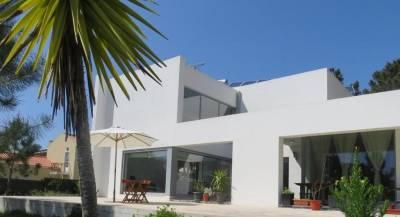 Sesimbra Villa Sleeps 8 Pool Air Con WiFi