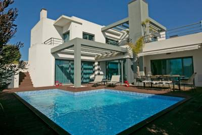 Aqua Villa, Private Pool & BBQ (Ideal For Families)