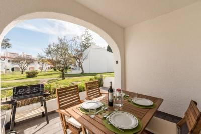 LovelyStay - Green Oasis Villa