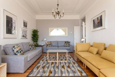 Rato by Central Hill Apartments