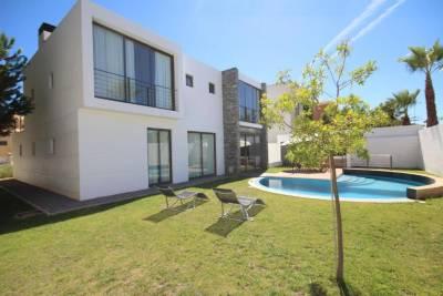 Villa Alemao by amcf