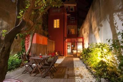 Magnólia Porto Hostel & Suites