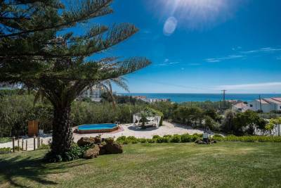 Ericeira Villa Hostel and Suites