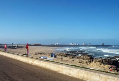 Leça da Palmeira beach