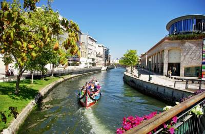 Aveiro canals and moliceiros