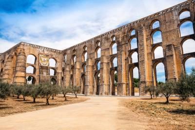 Amoreira Aqueduct - Elvas