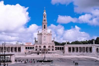 Lisbon Fado Dinner Show and Panoramic Night Tour