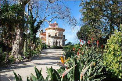Special Private Half Day Tour to Palace Monserrate & Hell´s Mouth, from Lisbon