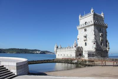 Lisbon Full Day Tour with visit to Belem, Cristo Rei and Pillar 7 VR Experience