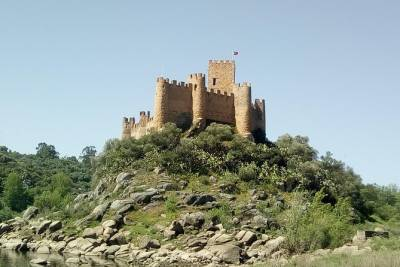 Private Tour Route Castles and Caves, Santarem Almourol and Tomar