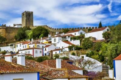 Lisbon Coast by boat