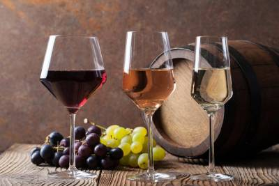 Half Day Traditions and Enchanting Valleys - Eira do Serrado, Curral das Freiras, Monte, Madeira Wine Tasting